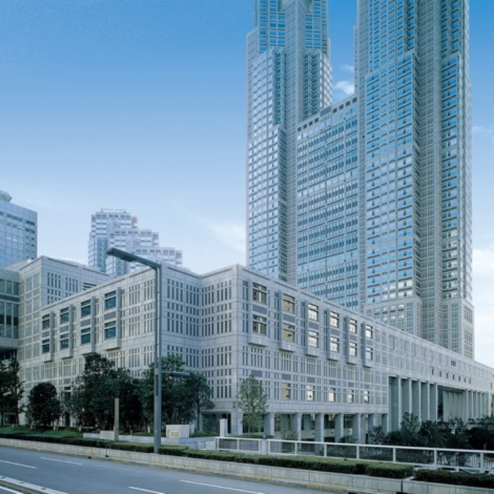 写真:東京都議会議事堂