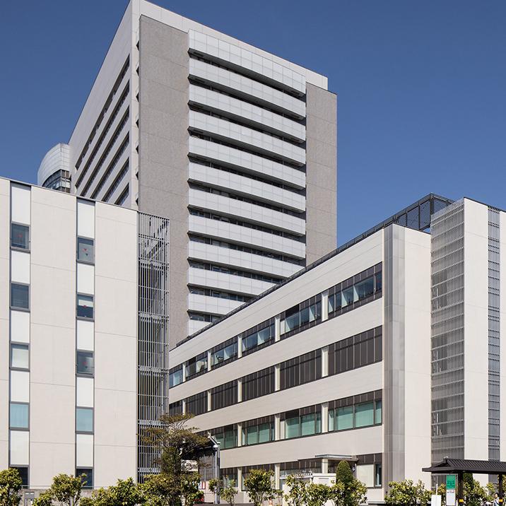 写真:東北大学病院先進医療棟