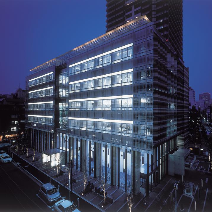 写真:日本大学法学部図書館